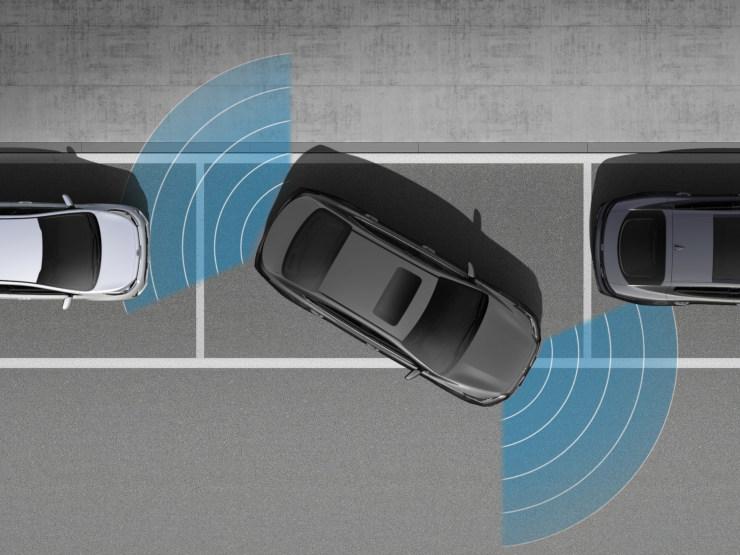 Parking Sensors & Rear View Camera