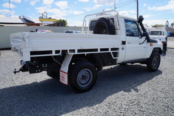 2015 Toyota Landcruiser VD CC Cab chassis
