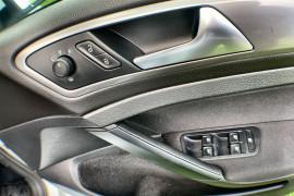 2016 MY17 Volkswagen Golf 7 92TSI Hatch Image 4