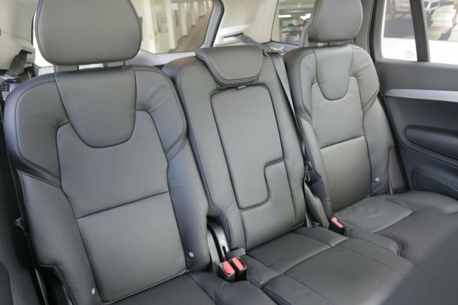 2018 MY19 Volvo XC90 L Series D5 Momentum (AWD) Suv Image 10