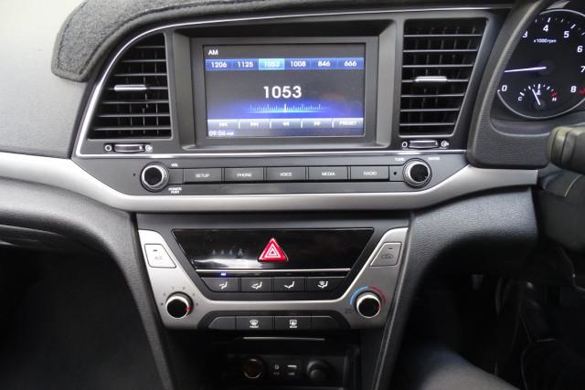 2016 Hyundai Elantra Active 23 of 27