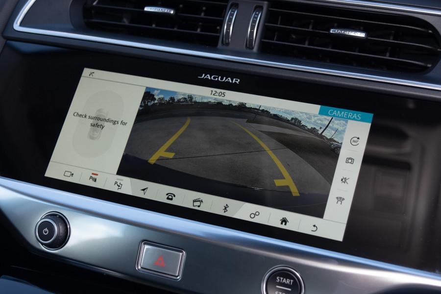 2019 MY20 Jaguar I-PACE X590 SE Hatchback Mobile Image 18