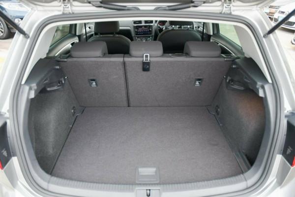 2017 MY18 Volkswagen Golf 7.5 MY18 110TSI DSG Hatchback Image 5
