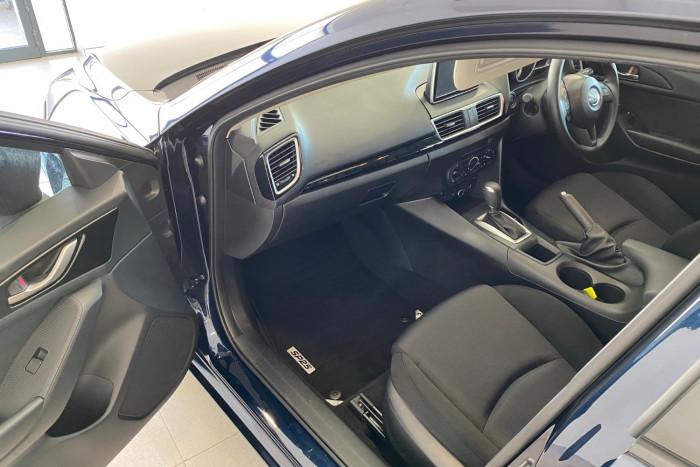 2015 Mazda 3 BM5278 Neo Sedan Image 5