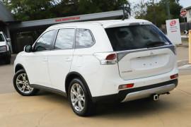 2014 MY14.5 Mitsubishi Outlander ZJ MY14.5 ES 4WD Suv Image 2