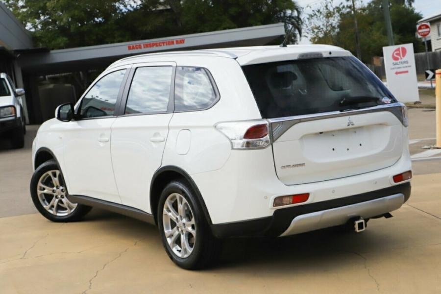 2014 MY14.5 Mitsubishi Outlander ZJ MY14.5 ES 4WD Suv