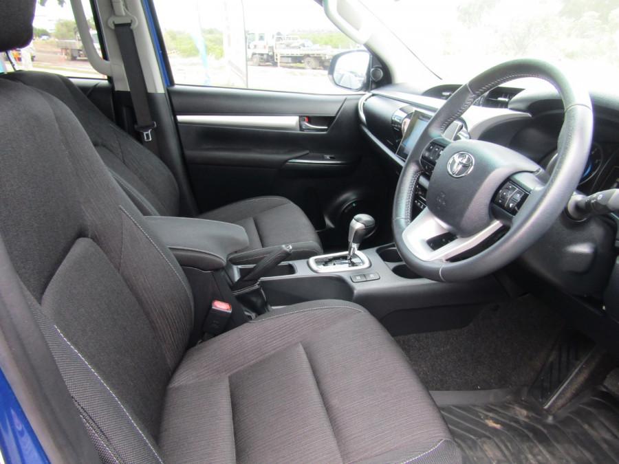 2017 Toyota HiLux GUN126R SR5 Utility Image 19