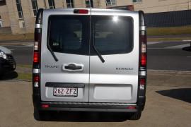 2018 Renault Trafic L1H1 Short Wheelbase Twin Turbo Van Image 5