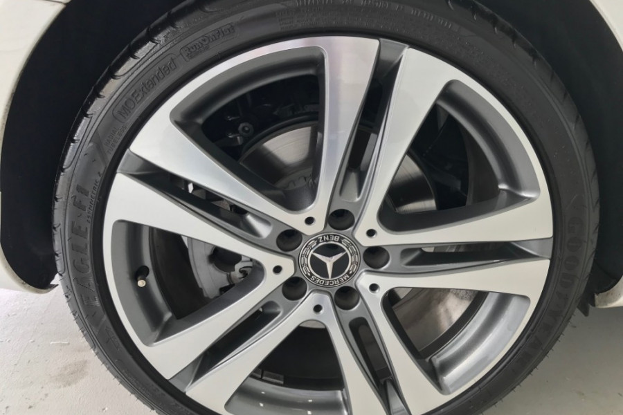 2018 Mercedes-Benz C-class W205 809MY C300 Sedan Image 9