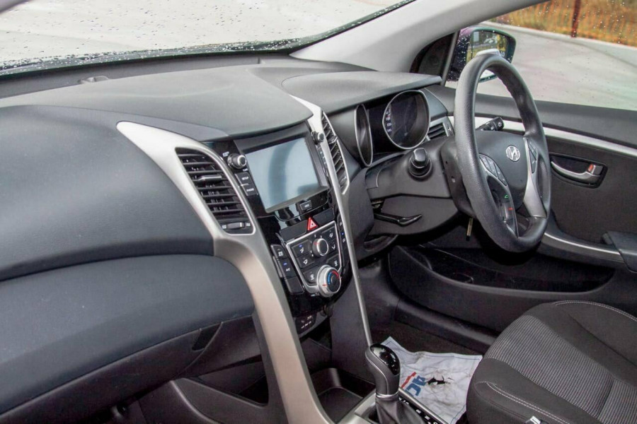 2016 Hyundai i30 GD4 Series 2 Active Hatchback Image 8