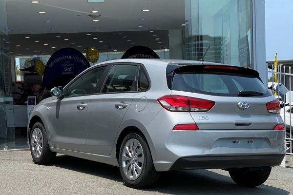 2019 MY18 Hyundai i30 PD Go Hatchback Image 2