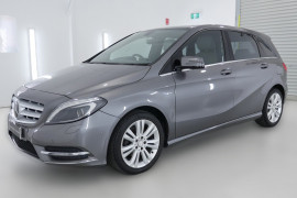 2012 Mercedes-Benz B200 W246 B200 BlueEFFICIENCY Hatchback Image 3