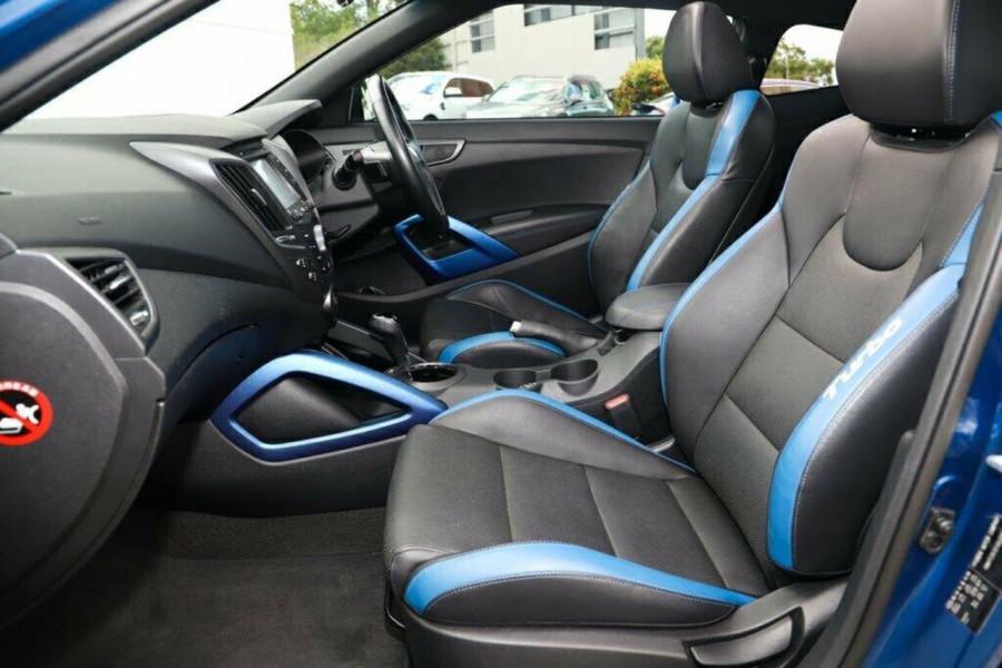 2016 Hyundai Veloster FS5 Series II Street Hatchback Image 13