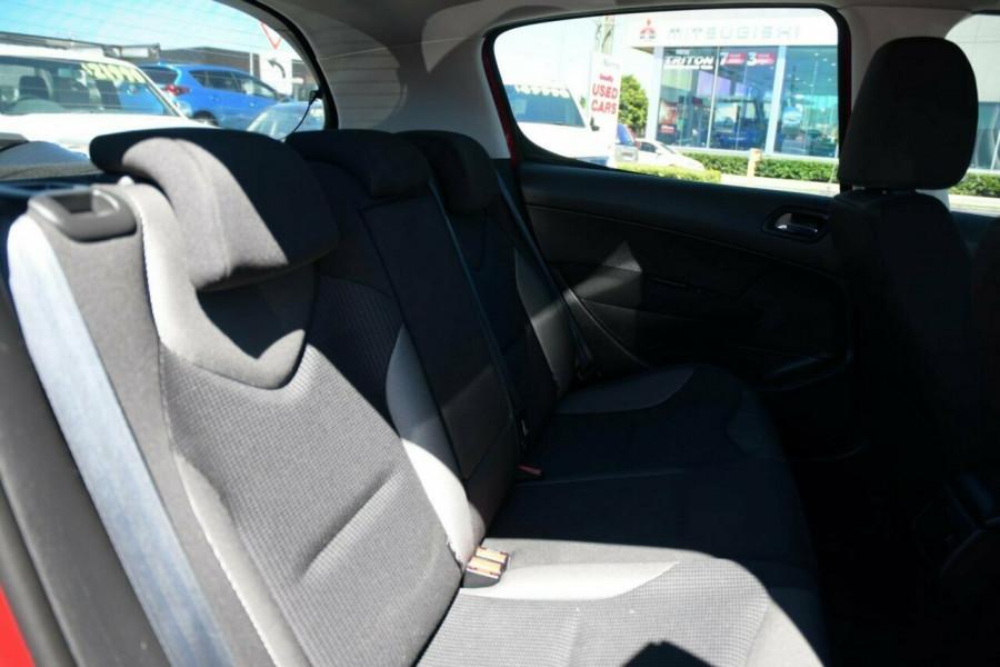 2010 Peugeot 308 T7 XS Hatchback Image 14