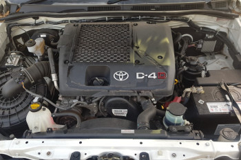 2014 Toyota HiLux KUN16R Turbo Workmate Cab chassis