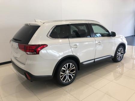 2017 Mitsubishi Outlander ZK LS 2wd 7 st wagon Image 4
