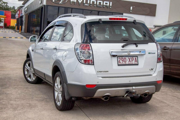 2011 Holden Captiva CG Series II 7 LX (4x4) Suv Image 2