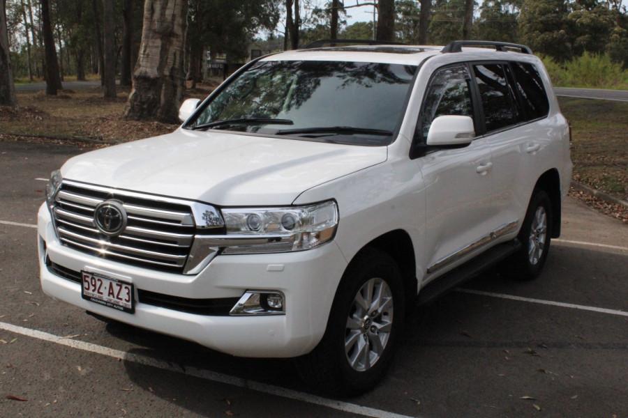 2016 Toyota Landcruiser Sahara Image 4