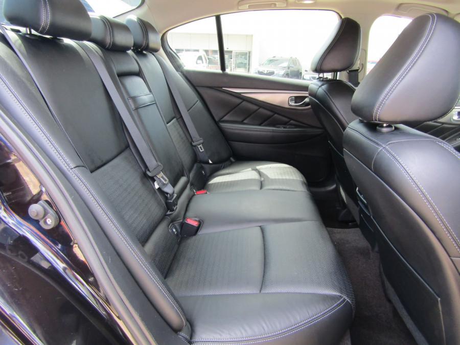 2014 Infiniti Q50 V37 S Premium Sedan Image 16