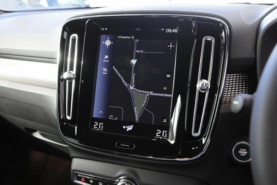 2019 Volvo XC40 T5 R-Design Suv Mobile Image 15