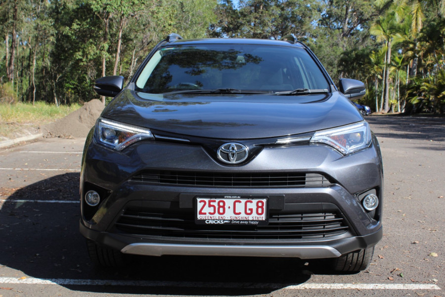 2017 Toyota RAV4 GXL Image 3