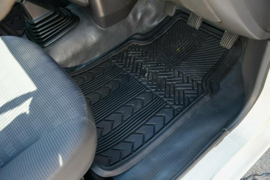2003 MY02 Mitsubishi Triton MK MY02 GL 4x2 Cab chassis