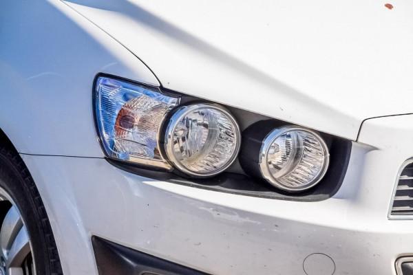 2012 Holden Barina TM MY13 CD Hatchback Image 3