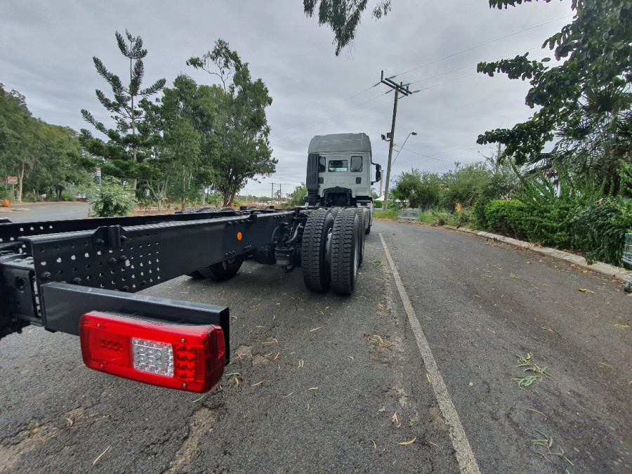 2019 Iveco X-way 6x4 Truck Image 5