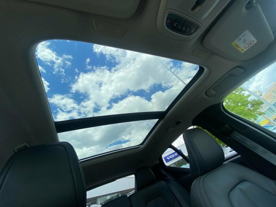 2019 MY20 Volvo XC40 536 MY20 T4 Momentum (FWD) Suv Image 18