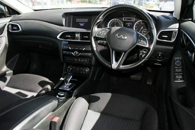 2016 Infiniti QX30 H15 GT D-CT AWD Suv Image 12