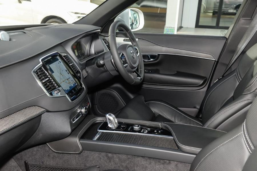 2018 MY19 Volvo XC90 L Series T8 R-Design Suv Mobile Image 8