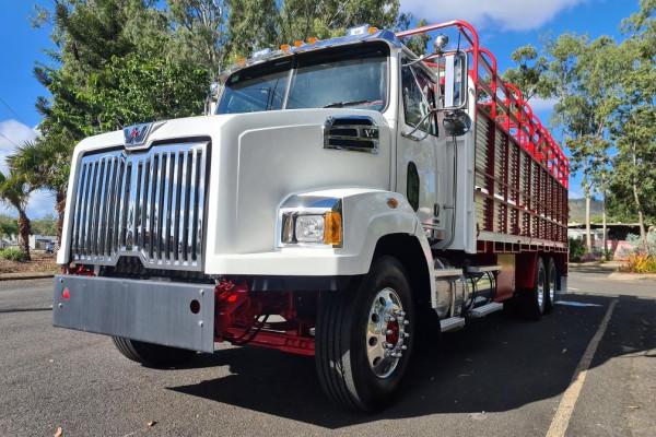 2021 Western Star 4764sxc Truck