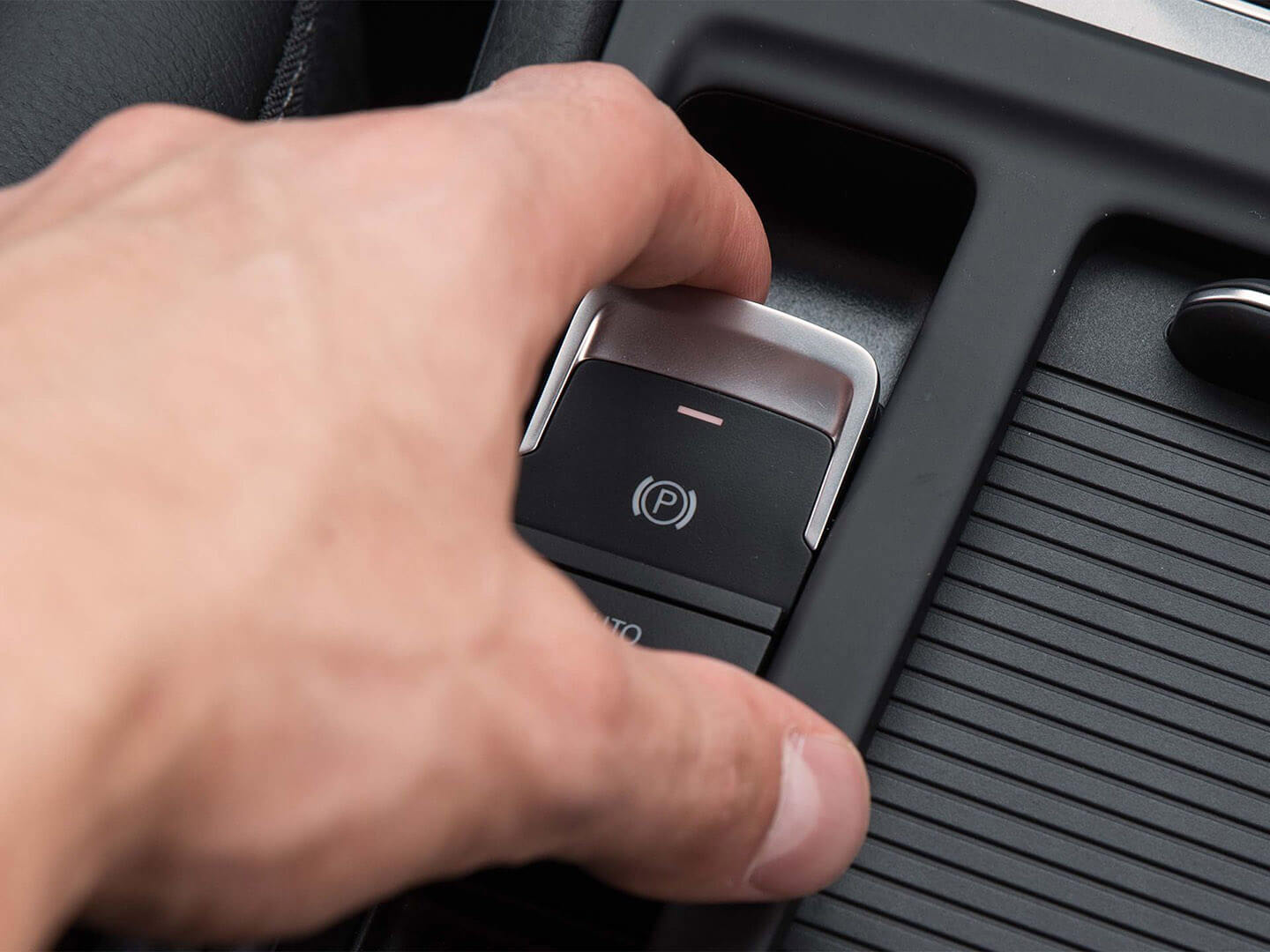Easier to stop Electromechanical Parking Brake and Auto Hold Image