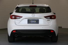 2015 Mazda 3 BM5476 Neo Hatchback Image 4