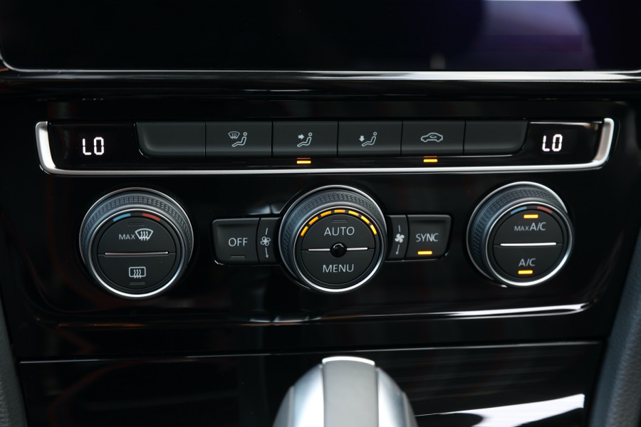 2020 Volkswagen Golf 7.5 GTI Hatchback Image 14