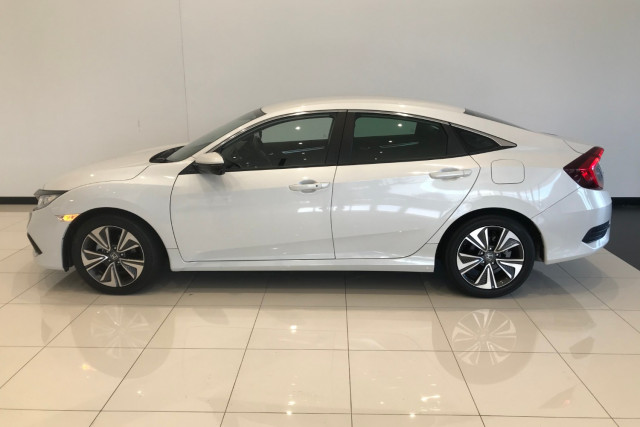 2019 Honda Civic Sedan 10th Gen VTi-L Sedan Image 3