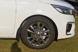 2019 Kia Carnival YP Platinum Wagon Image 4