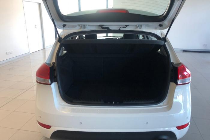 2016 Kia Cerato YD MY16 S Hatchback Image 8