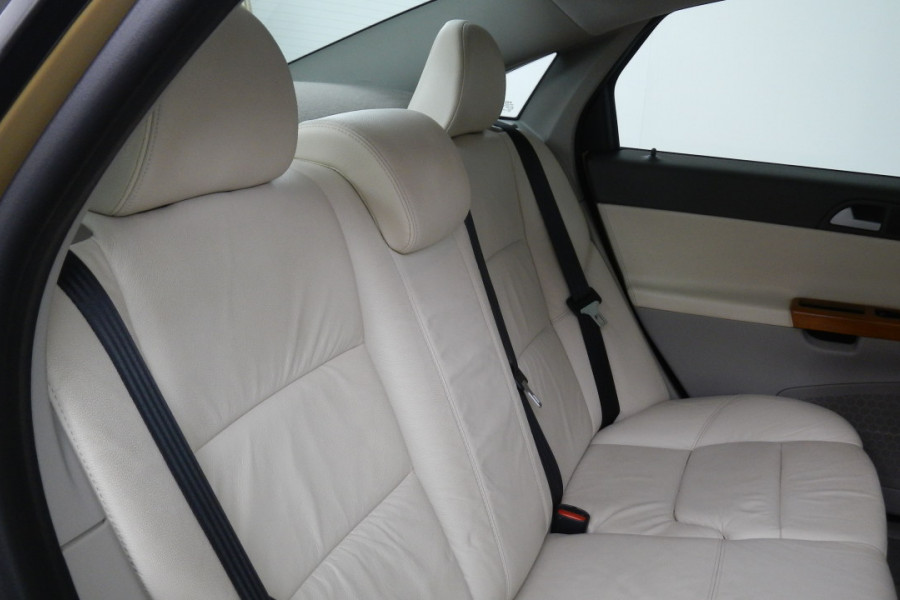 2008 Volvo S40 Vehicle Description. M  MY08 S Sedan 4dr SA 5sp 2.4i S Sedan Mobile Image 18