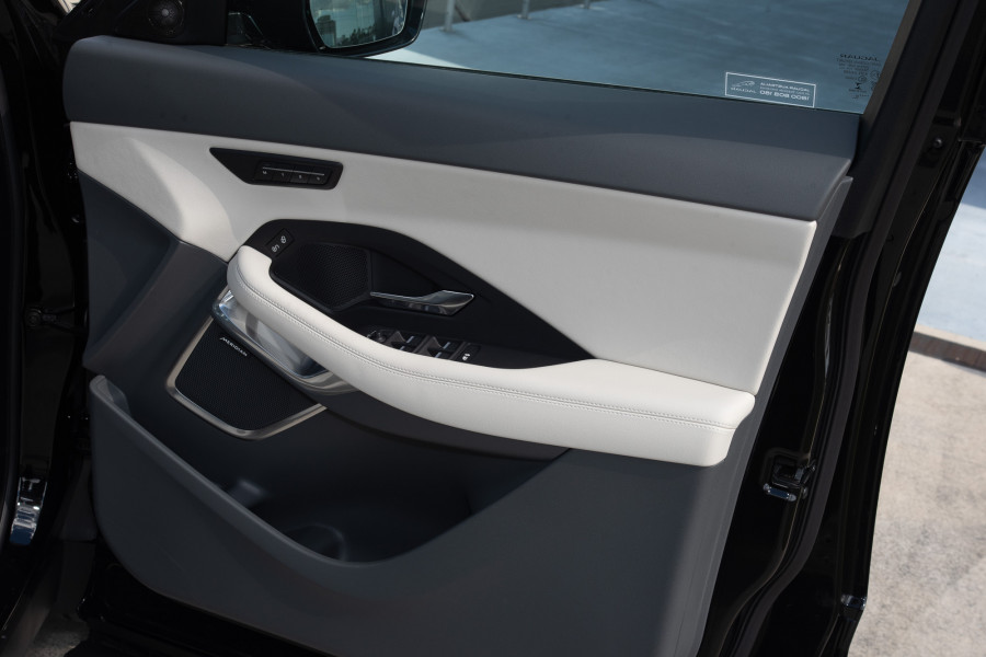 2019 Jaguar E-PACE X540 E-PACE Suv Mobile Image 13