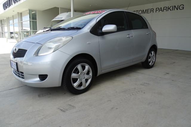 2006 Toyota Yaris YRS 6 of 22