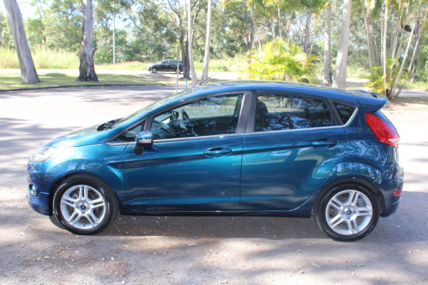 2011 Ford Fiesta WS Zetec Hatchback Image 5