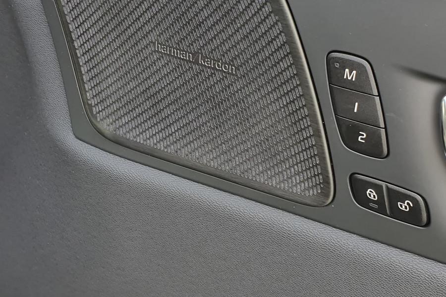 2020 Volvo XC60 UZ D4 Inscription Suv Mobile Image 5