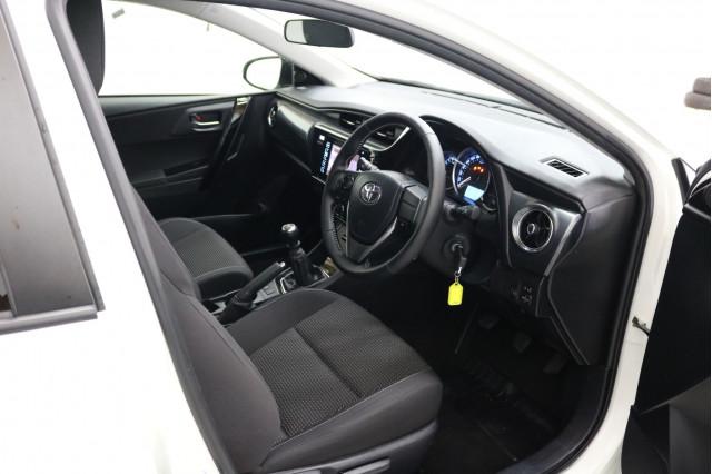 2016 Toyota Corolla ZRE182R ASCENT SPORT Hatchback Image 4