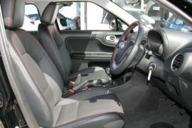 2017 MG MG3 SZP1 Essence Hatchback