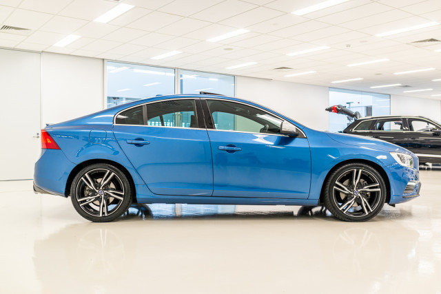 2016 MY17 Volvo S60 F Series T6 R-Design Sedan Image 3