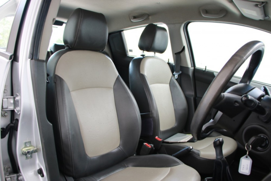 2010 MY11 Holden Barina Spark MJ MY11 CDX Hatch Image 23