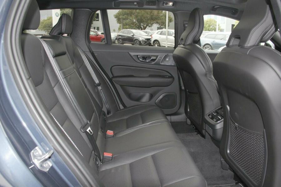 2019 MY20 Volvo V60 T5 R-Design T5 R-Design Sedan Mobile Image 8
