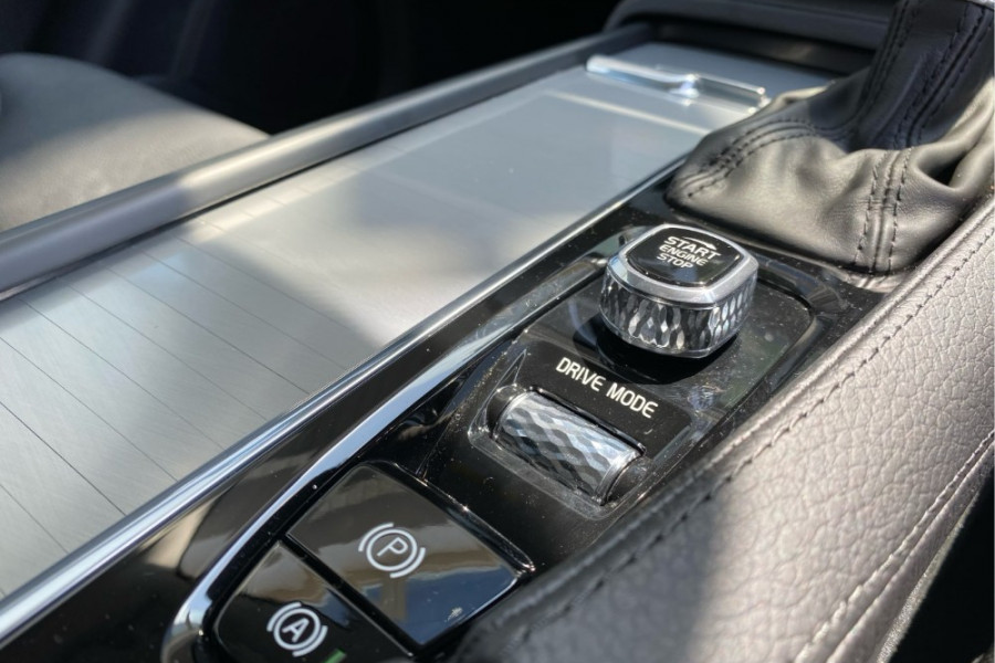 2019 Volvo XC90 L Series D5 Momentum Suv Mobile Image 9