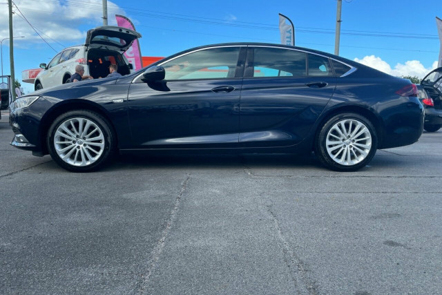 2018 Holden Calais Liftback 13 of 20